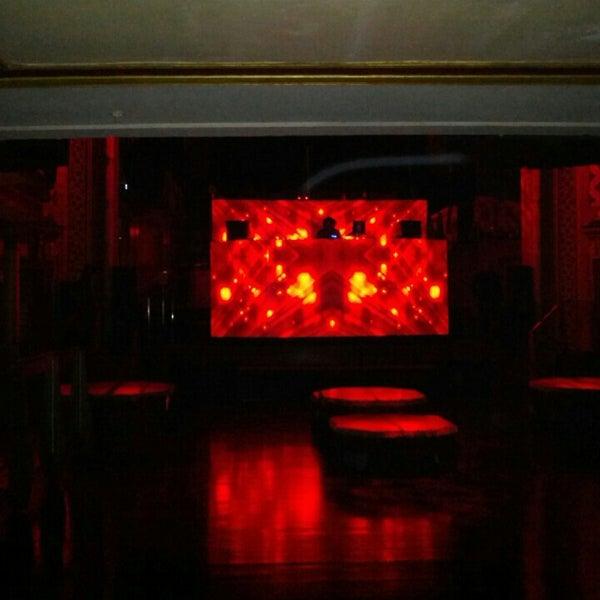 Photo prise au Opera Nightclub par Steve N. le5/18/2013