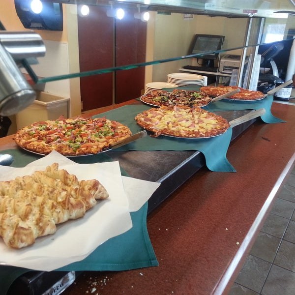 Round Table Pizza 9 Tips From 145 Visitors