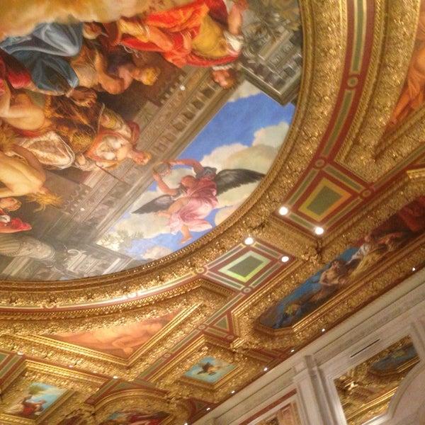 Foto tirada no(a) Venetian Resort & Casino por Christopher V. em 7/19/2013