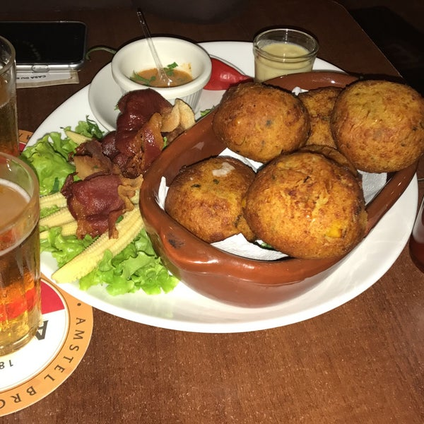 Foto tomada en Eskina Bar e Restaurante por Lino el 4/16/2017