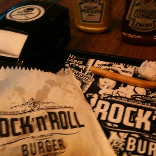 12/5/2012 tarihinde Ricardo V.ziyaretçi tarafından Rock 'n' Roll Burger'de çekilen fotoğraf