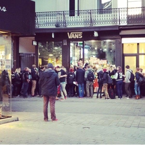 1f45b75d05 Vans Store - Meir - Kammenstraat 47