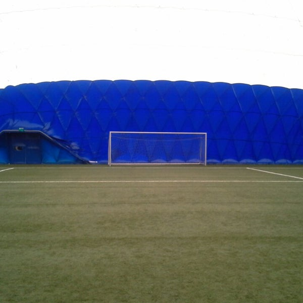 Foto tirada no(a) Štadión FK Senica por Martin V. em 6/3/2014