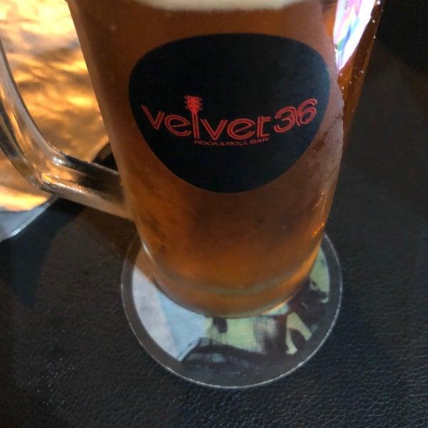 Foto diambil di Velvet36 Rock'n Roll Bar oleh Thiago G. pada 10/28/2017