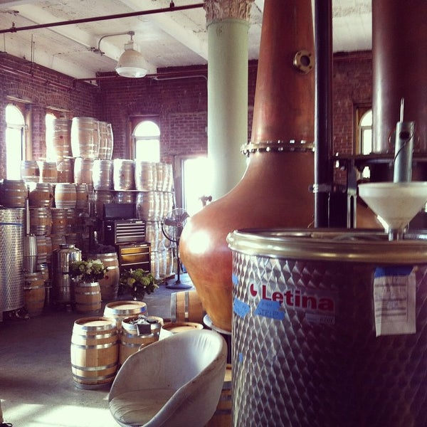 Foto scattata a Kings County Distillery da Jason S. il 10/12/2014