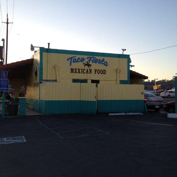 Foto tomada en Taco Fiesta por Connor L. el 10/22/2013