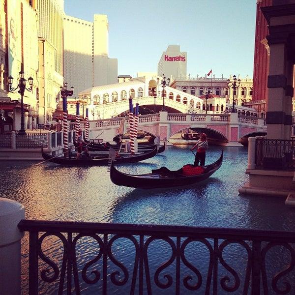 Foto tirada no(a) Venetian Resort & Casino por Harlan C. em 6/16/2013