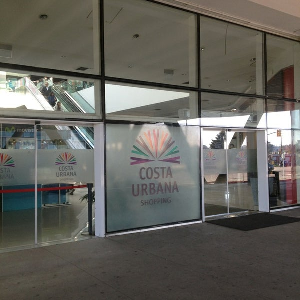 Foto tirada no(a) Costa Urbana Shopping por Ana S. em 8/4/2013
