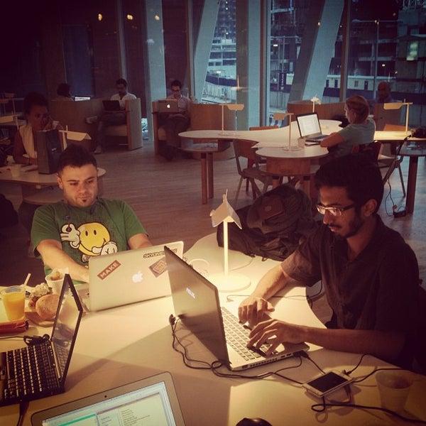 รูปภาพถ่ายที่ MAKE Business Hub โดย Mohamed H. เมื่อ 2/27/2013