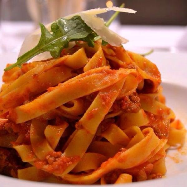 Tagliatelle a la bolognesa al puro estilo italian....rico rico...