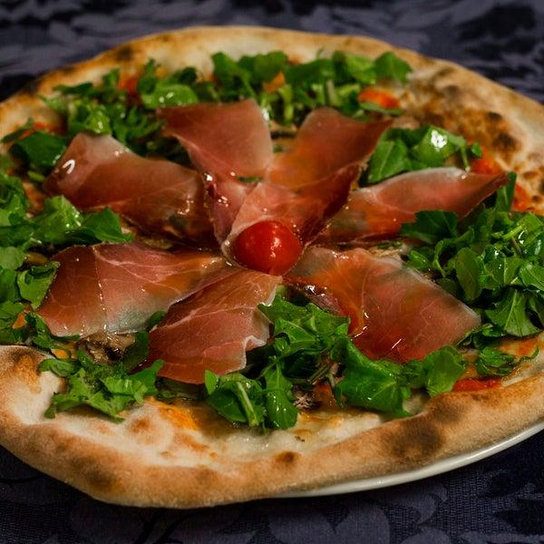 Photo prise au Green Dragon da Nino - Ristorante Pizzeria par Green Dragon da Nino - Ristorante Pizzeria le10/11/2013