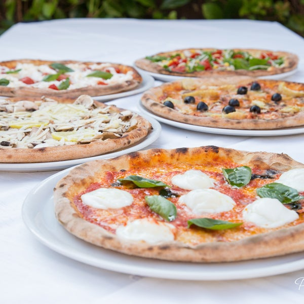 Photo prise au Green Dragon da Nino - Ristorante Pizzeria par Green Dragon da Nino - Ristorante Pizzeria le4/19/2015