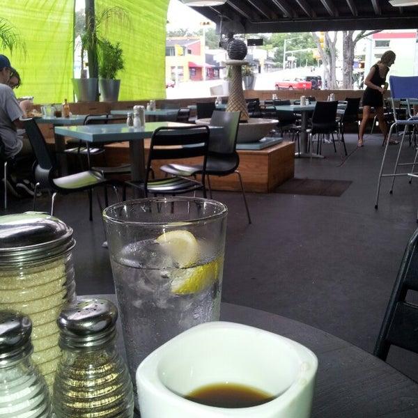 9/8/2013にNorayne D.がSnack Barで撮った写真