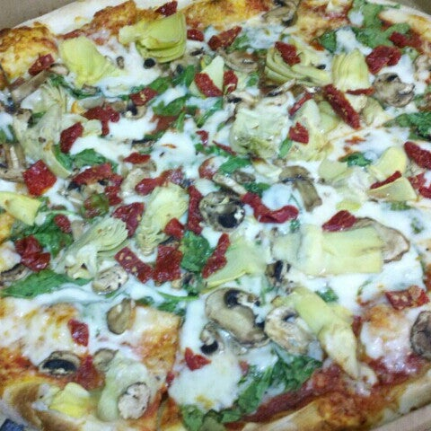 6/25/2012にLouie I.がGrant Central Pizza & Pastaで撮った写真