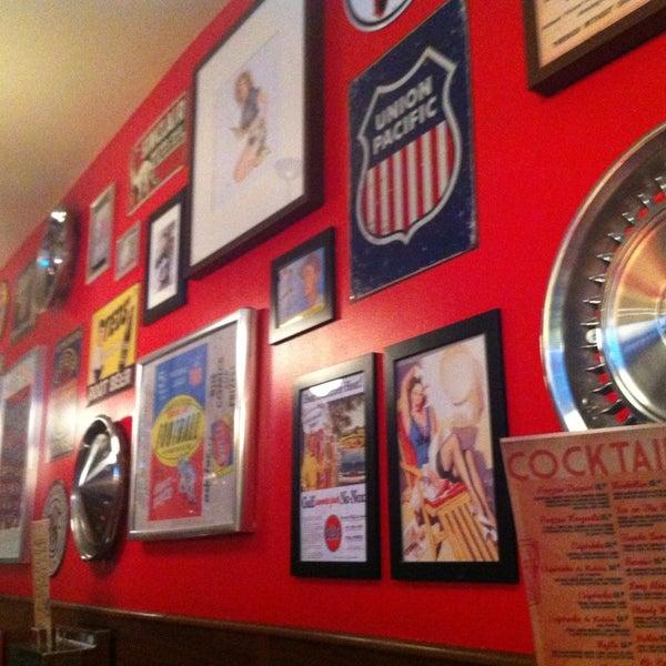Foto scattata a Bernie's Diner da Quim A. il 2/14/2013