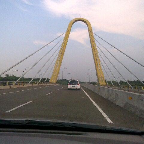 Gerbang Tol Grand Wisata Jalan Tol Jakarta Cikampek Km 21