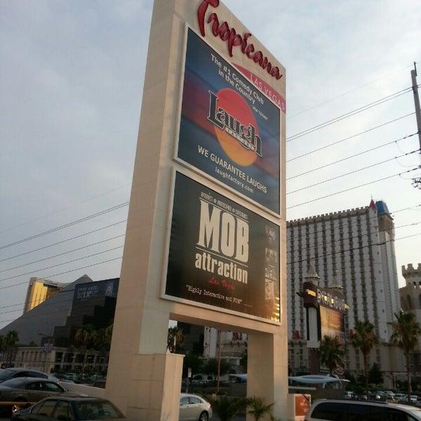 Снимок сделан в Tropicana Las Vegas пользователем Carnell S. 7/2/2013