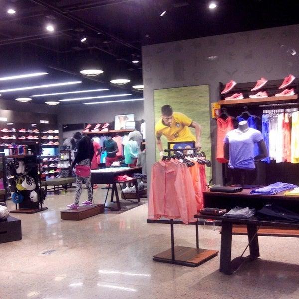 67ee2b3c1 Nike Store (Agora fechado) - Pátio Batel