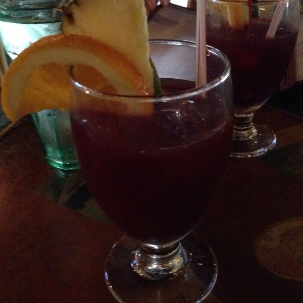 Foto diambil di El Meson de Pepe Restaurant & Bar oleh Ryan F. pada 7/25/2014