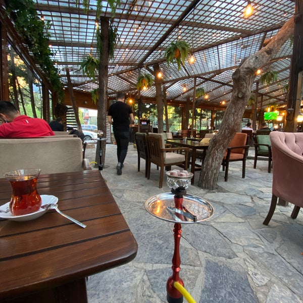 Foto tirada no(a) The VagoNN Cafe por Serkan B. em 9/3/2021