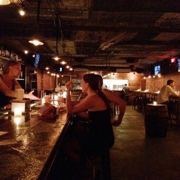 7/7/2014 tarihinde Brandon M.ziyaretçi tarafından Fools Gold NYC'de çekilen fotoğraf