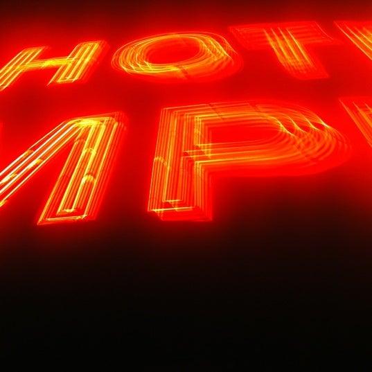 Снимок сделан в The Empire Hotel Rooftop пользователем Joe K. 10/13/2012