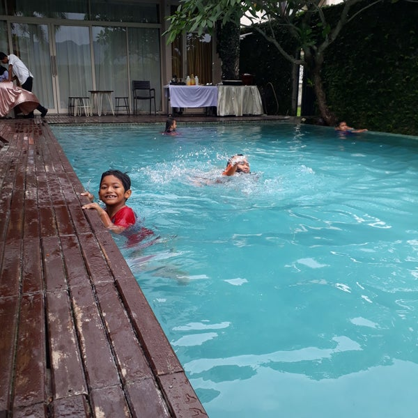 The Pade Hotel Swimming Pool 2 Tips