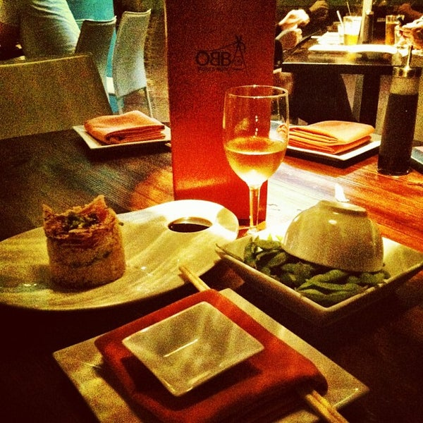 Foto tirada no(a) Obba Sushi & More por Jessenia F. em 11/30/2013