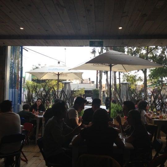 รูปภาพถ่ายที่ Son de Mar โดย Cheko A. เมื่อ 10/7/2012