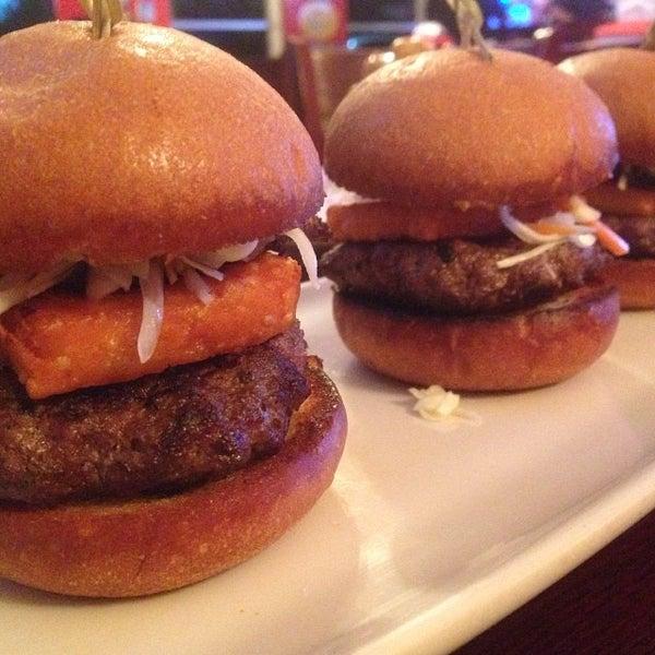 Снимок сделан в A&G Burger Joint пользователем Burger B. 1/30/2014