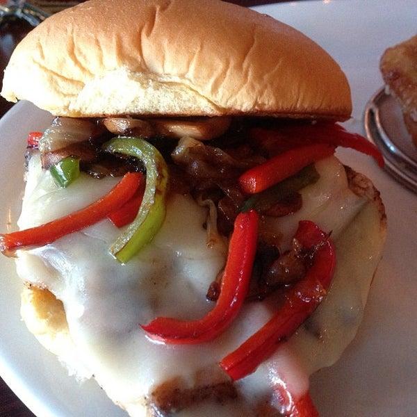 Снимок сделан в A&G Burger Joint пользователем Burger B. 5/20/2013