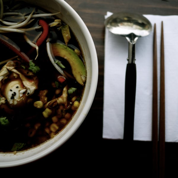 Foto tirada no(a) Fukuro Noodle Bar por Fukuro Noodle Bar em 10/6/2013