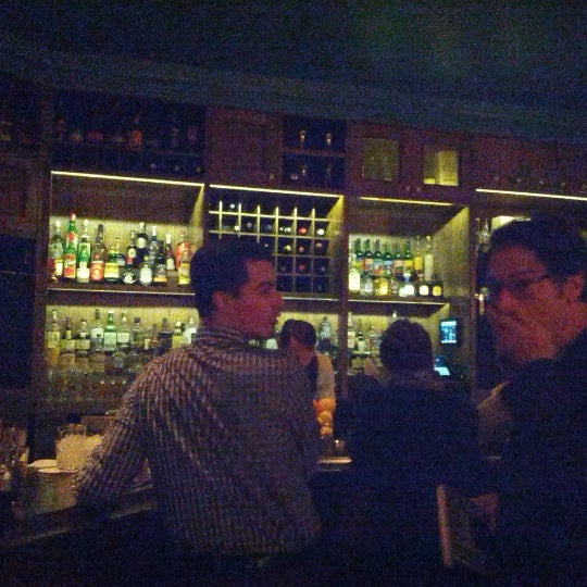 Foto scattata a Pouring Ribbons da Regina C. il 10/13/2012