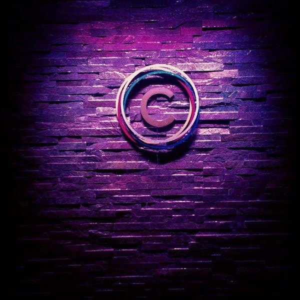 10/27/2013 tarihinde Discover Lehigh Valleyziyaretçi tarafından Corked Bar, Grill, Nightclub'de çekilen fotoğraf