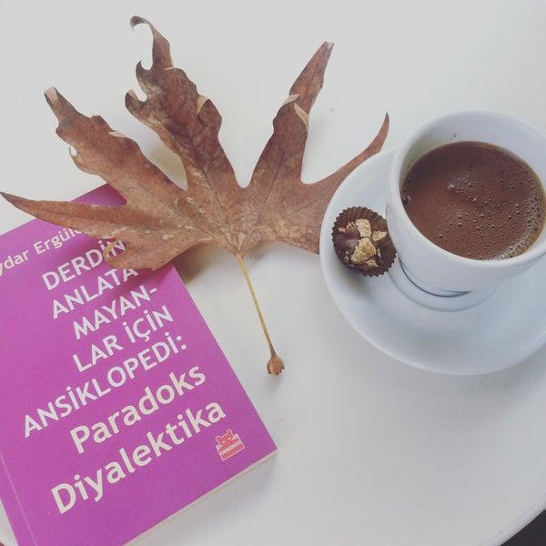 Foto tirada no(a) Deal Coffee Ekspress por Deniz D. em 11/18/2015