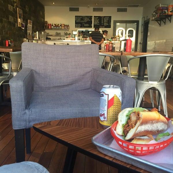 6/24/2016にEduardo D.がRed Star Sandwich Shopで撮った写真