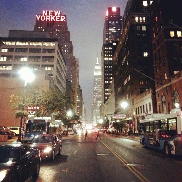 Foto diambil di Wyndham New Yorker oleh Dave S. pada 10/4/2012