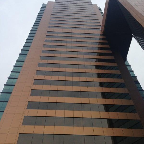 รูปภาพถ่ายที่ Courtyard by Marriott Santiago Las Condes โดย Carlos B. เมื่อ 11/1/2013