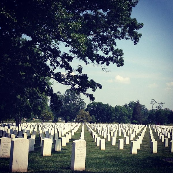 Photo prise au Arlington National Cemetery par María de los Ángeles L. le5/22/2013
