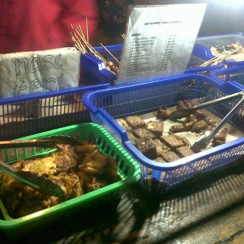 Foto Di Angkringan Nasi Kucing Truk Makanan Di Makassar