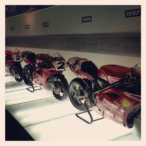 5/24/2013 tarihinde Ricardo G.ziyaretçi tarafından Ducati Motor Factory & Museum'de çekilen fotoğraf
