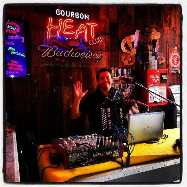 Foto scattata a Bourbon Heat da HTEDance il 4/4/2013