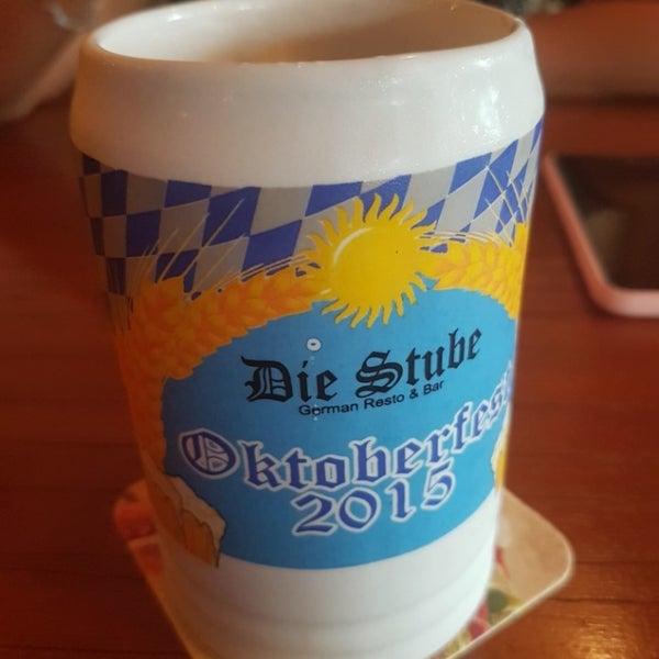 Снимок сделан в Die Stube German Bar & Resto пользователем Jason G. 5/31/2018