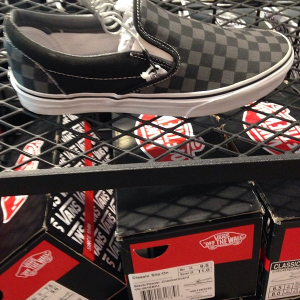Vans Outlet - Outlet Store in Livermore