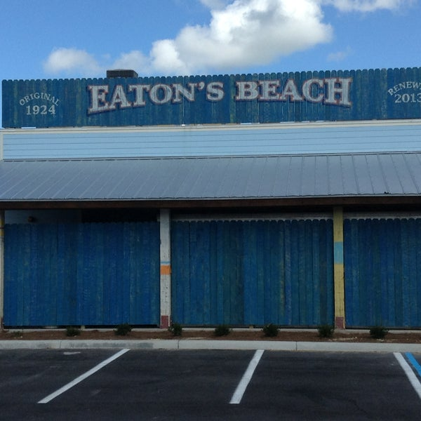 Eaton's Beach Sandbar & Grill - Seafood Restaurant in Weirsdale