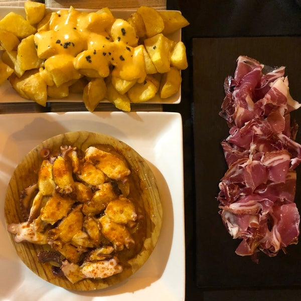 Fra from the touristic routes, an authentic place to get high quality tapas and great service. Wine list could have been better but you can find a couple of local gems.