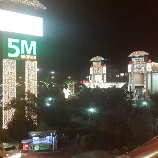 Photo prise au Antalya Migros AVM par Ahmet Y. le12/27/2014
