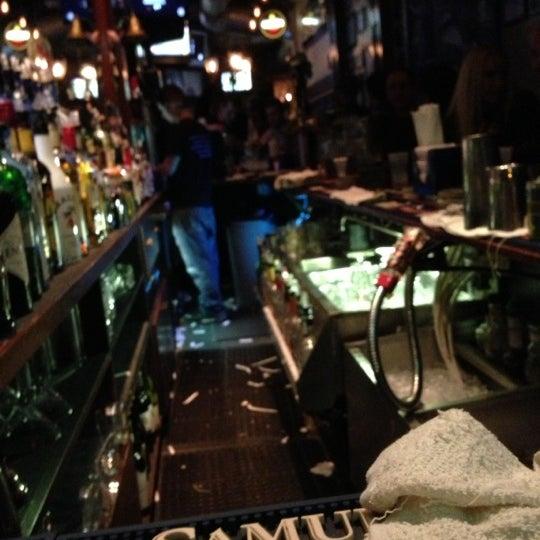 Das Foto wurde bei The Dead Poet von Ken B. am 11/2/2012 aufgenommen