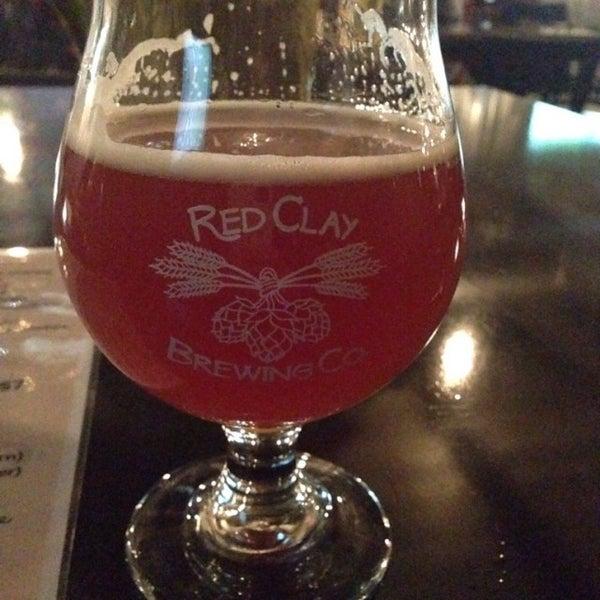 Foto tomada en Red Clay Brewing Company por Liz M. el 12/30/2016