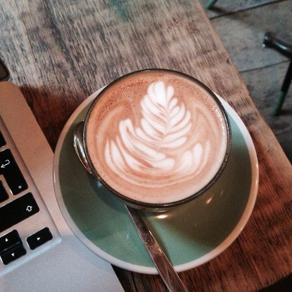 Foto diambil di Brickwood Coffee & Bread oleh Rose J. pada 11/18/2013